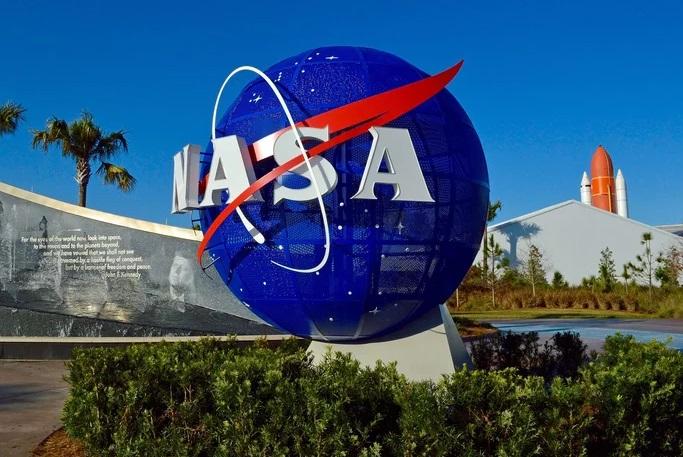 NASA Twin Voyagers