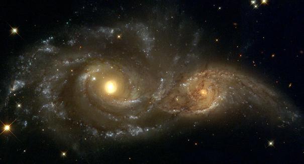 HXMM01 elliptical galaxy