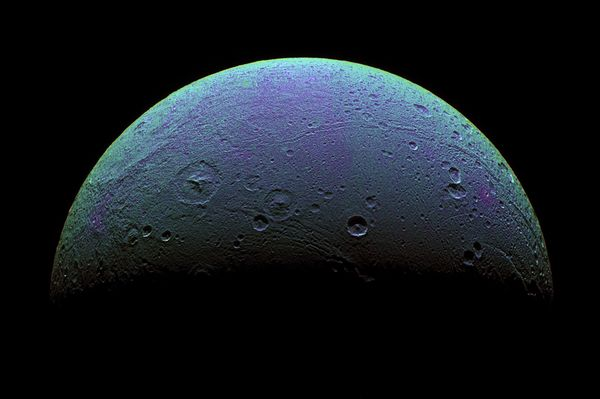 Saturn moon dione Subsurface water