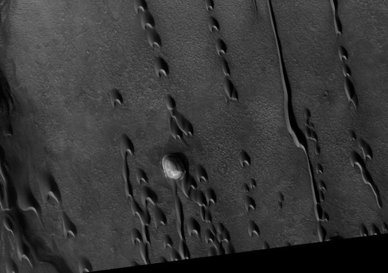 Astronomers Has Discovered Ghost Dunes on Mars
