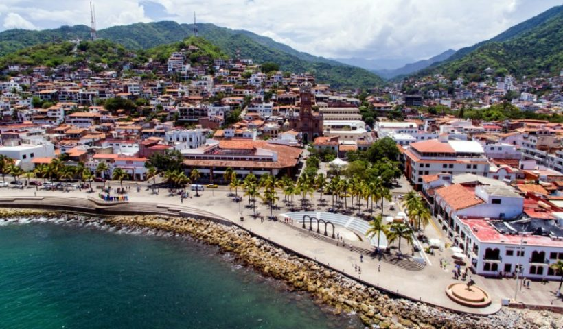 Why Tourists Like to Visit Puerto Vallarta