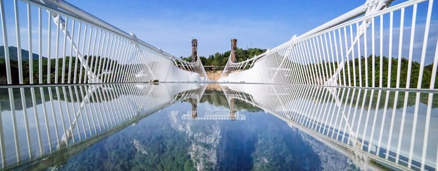 longest glass bridge is transparent which is made of glasses