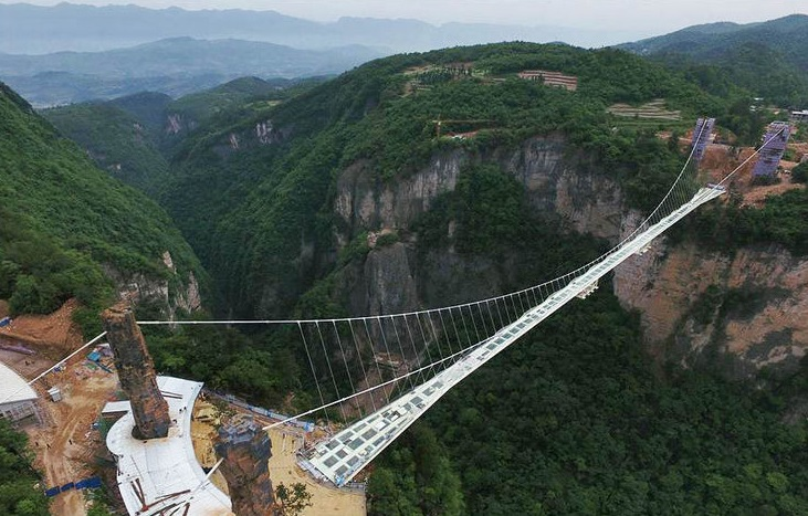 Besides being the tallest and longest, it is also considered one of the most horror bridges