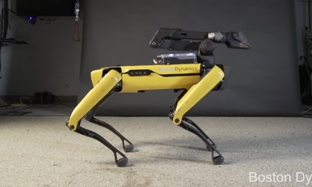 Boston Dynamics SpotMini Robot Dances On the Song of Bruno Mars