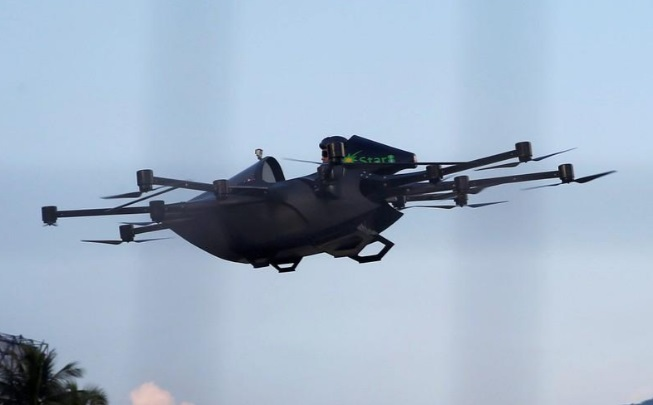 machine can fly as high as 6.1 m (20 ft)