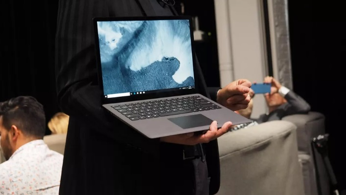 The specifications of Surface Laptop 2
