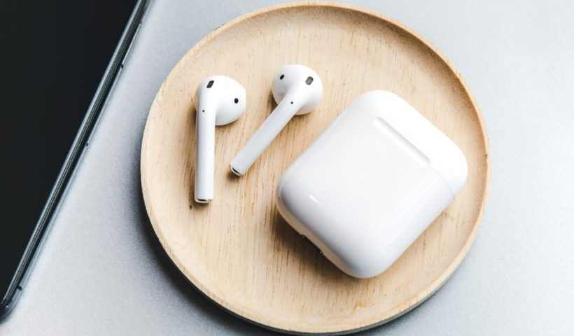 Apple Announced to Release Wireless Charging AirPods in 2019
