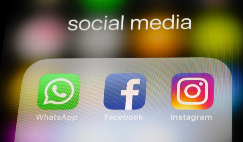 WhatsApp, Instagram and Messenger Chats