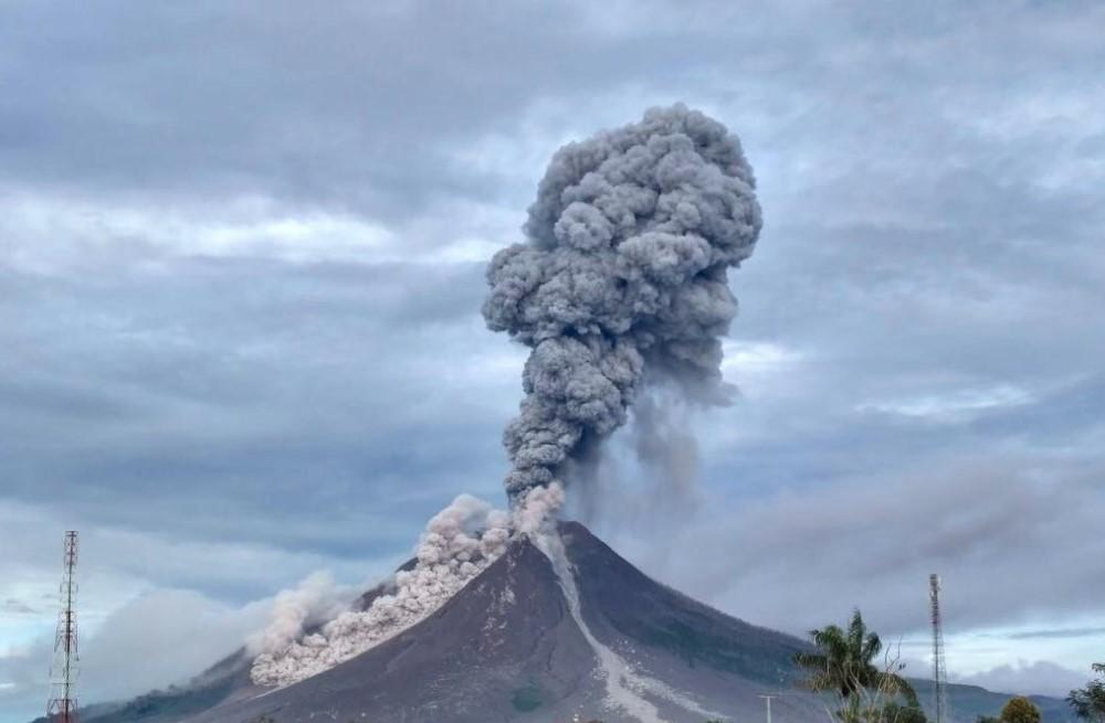 Indonesia Sinabung Volcano Erupts