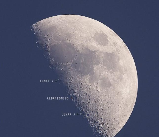 Quarter Moon Is Coming Soon in October 5